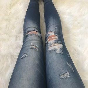 Destructed Skinny Jean